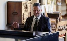 Alfonso Romero Asenjo: «La crítica y los adjetivos son siempre relativos»
