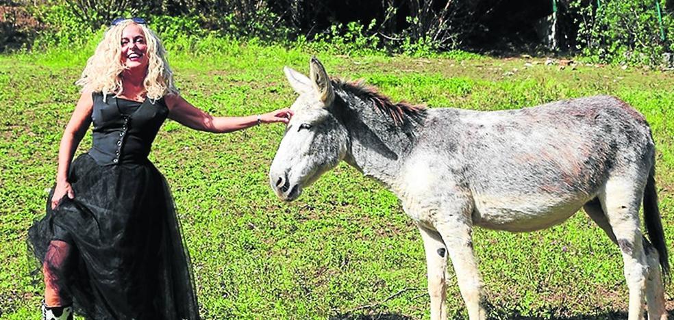 «Hay que devolver a los burros el favor que nos han hecho»