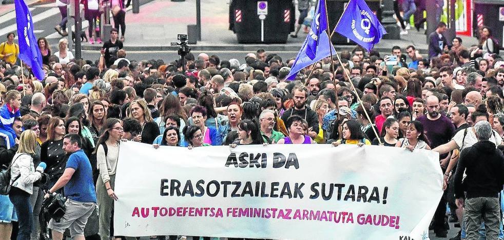 Intenta suicidarse la joven violada durante tres días en un piso de Bilbao