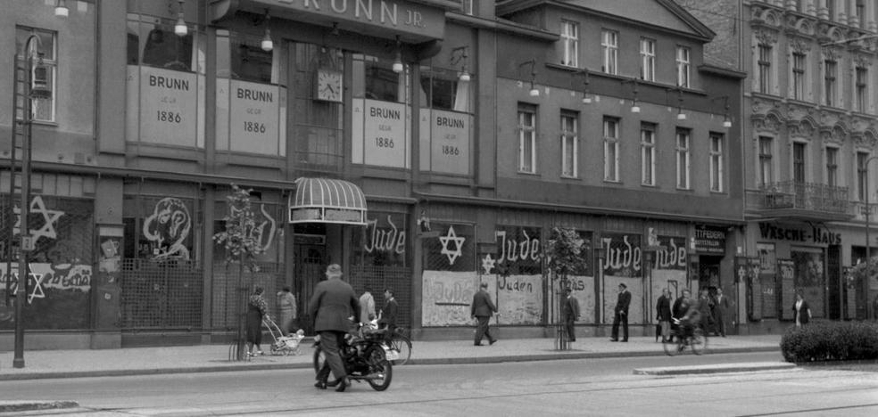 Julia Boyd recorre la Alemania nazi de la mano de sus turistas