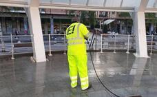 Erandio estrena un servicio de limpieza vespertino en Altzaga y Astrabudua