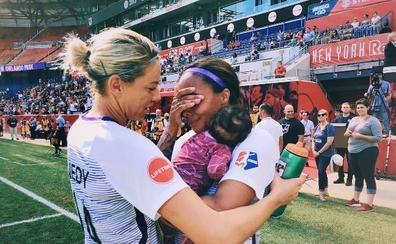 Una futbolista regresa a la élite en EEUU tres meses después de ser madre