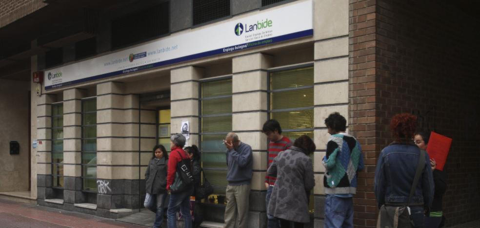 El paro cae en Euskadi en septiembre y la contratación indefinida marca otro récord