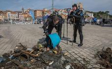 Voluntarios analizarán la basura marina para ponerle freno
