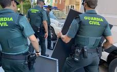 La Policía Científica concluye la inspección del piso de Castro del vizcaíno decapitado