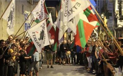 El Parlamento vasco rechaza los 'ongi etorris' y aísla a EH Bildu por «dar pasos atrás»