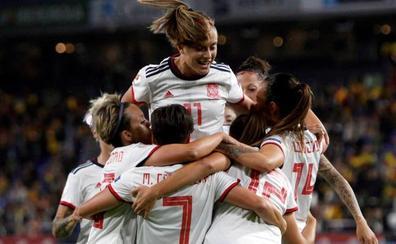 España golea a Azerbaiyán con récord de asistencia