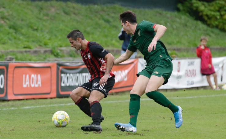 El Bilbao Athletic hurga en la herida del Arenas (1-2)