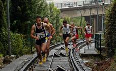 Los atletas, ante el reto de subir a Artxanda por la vía del funicular