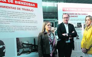 El PP vasco se concentra en Galdakao frente a la «aberrante» exposición del etarra Bienzobas