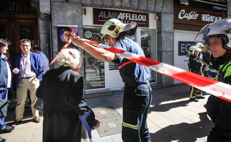 Las fotos del desalojo del edificio de la calle Dato de Vitoria por peligro de derrumbe