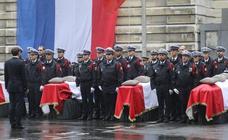 Macron llama a permanecer «vigilantes» ante la amenaza terrorista