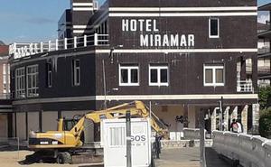 Comienza el desmantelamiento del Hotel Miramar de Castro