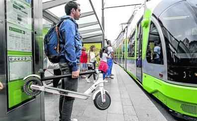 Tráfico prohibirá a bicis y patinetes eléctricos estacionar en las aceras