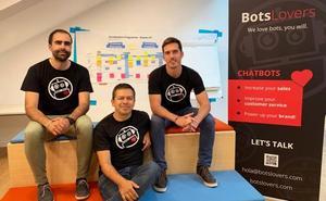 Botslovers crea asistentes virtuales para automatizar la atención al público
