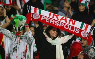 Las mujeres iraníes vuelven a los estadios 40 años después