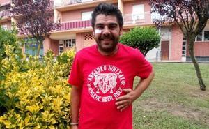 Una peña del Athletic homenajea al hombre herido por ayudar a dos chicas en Plentzia