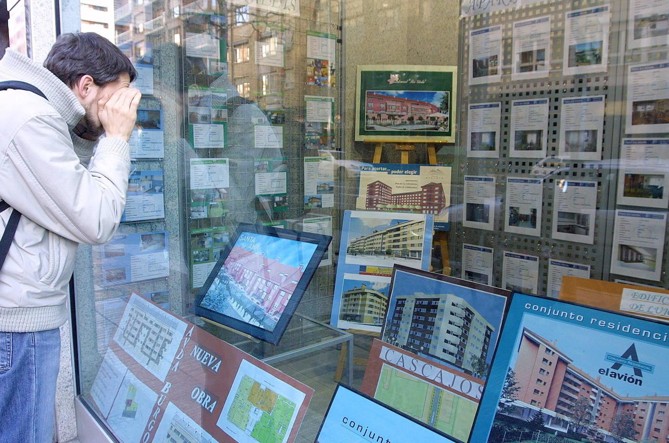 El frenazo inmobiliario se acentúa en Euskadi con una caída del 29% en la compraventa de pisos