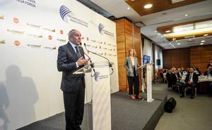 «Pediremos otra terminal para Foronda cuando lleguemos a 500.000 pasajeros», anuncia el diputado general