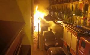 Noche de quema de contenedores en Bilbao
