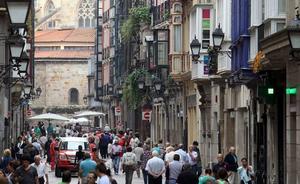 El Gobierno vasco lanza un SOS y se vuelca con el comercio pequeño, «en peligro de extinción»