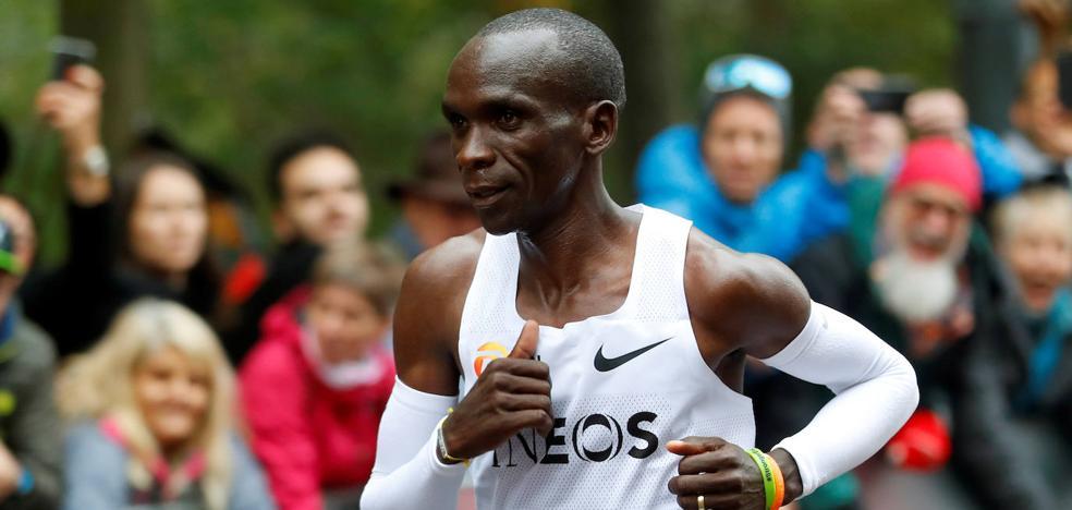 Eliud Kipchoge se convierte en el primer hombre en bajar de las dos horas en un maratón