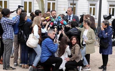 Vox considera la sentencia «una vergüenza al gusto de Sánchez» y estudia recurrirla