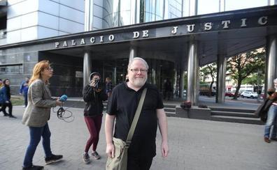 «Afrontaré todo lo que venga», dice el arqueólogo Eliseo Gil, acusado de las falsificaciones de Iruña-Veleia
