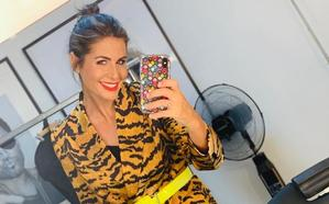 De Nuria Roca a Emma García: así se atreven con la chaqueta más rompedora del otoño