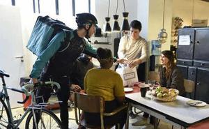 Uber se suma hoy a la 'guerra' de la comida a domicilio en Vitoria
