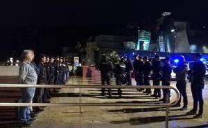 Compañeros del ertzaina asesinado por ETA en el Guggenheim le rinden homenaje