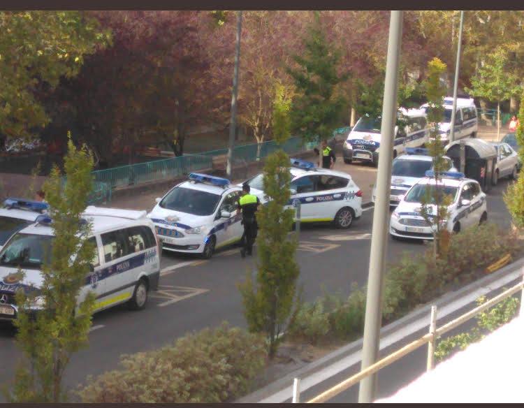 La Policía Local de Vitoria carga contra los okupas de Olárizu