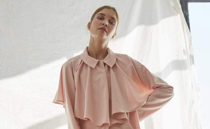 El 'revival' de los 70: la diseñadora de moda bilbaína que brinda por una moda sencilla y femenina