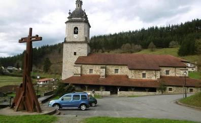 Zeanuri conmemora el centenario del incendio de la parroquia de Andra Mari