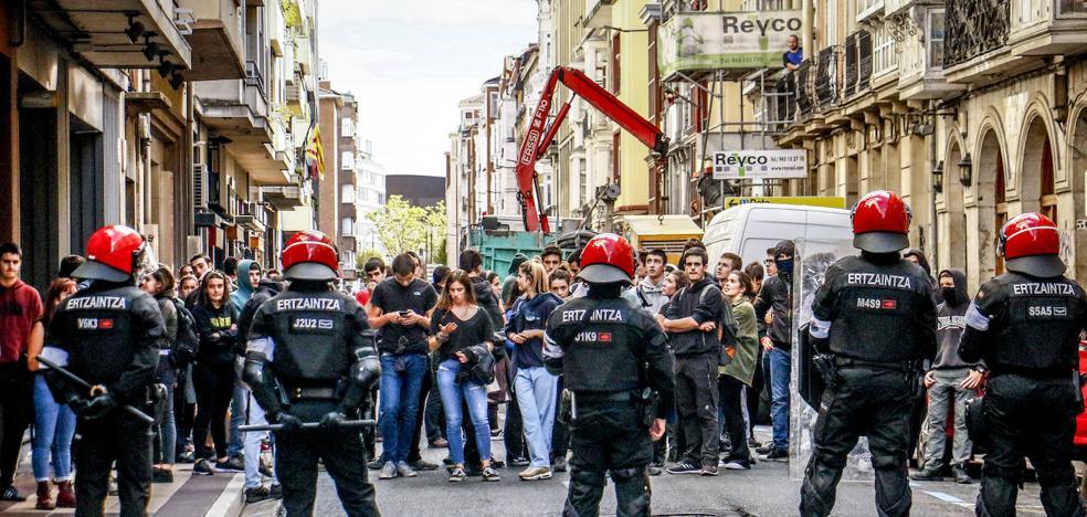 En libertad los 18 jóvenes detenidos en la protesta de Vitoria