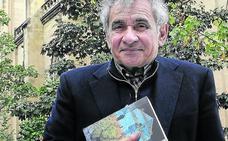 Los hilos de la memoria y la escritura de Atxaga confluyen en su última novela