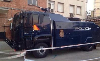 La Policía Nacional tiene en Barcelona el camión lanza agua para uso antidisturbios