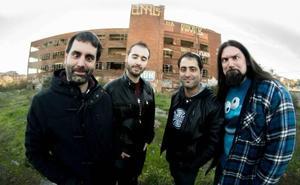 El Reno Renardo freak metal estiloko taldearen kontzertua, larunbatean, Jimmy Jazzen