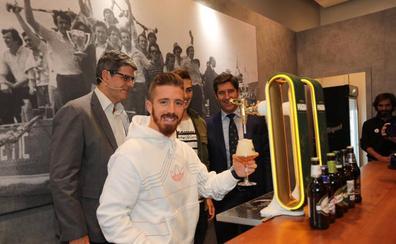 El Athletic y San Miguel abren en Bilbao 'el bar más grande del mundo'