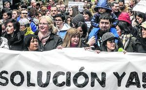 Centros y familias acusan a sindicatos, partidos y Gobierno vasco de «dejar caer» a la concertada