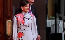 Letizia, renovada: 15 años después apuesta por la firma que la vistió de novia