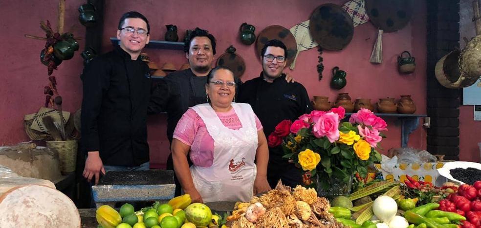 OAXACA: MOLES, TORTILLAS, INSECTOS Y MEZCAL