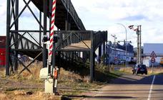 La pasarela peatonal de El Crucero será transitable una década después de su montaje