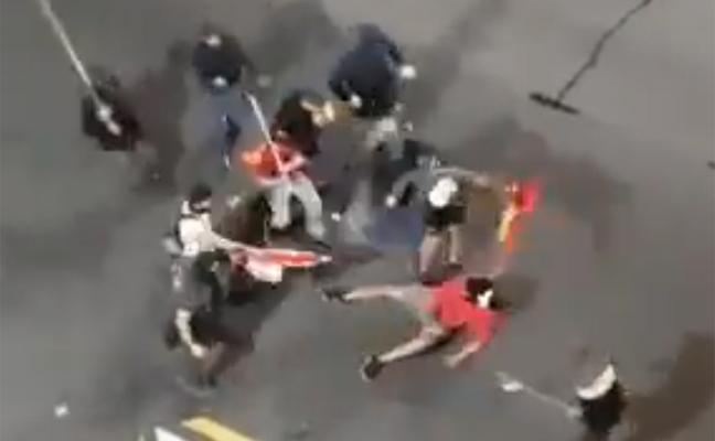 Brutal paliza de un grupo de ultras a un CDR en Barcelona