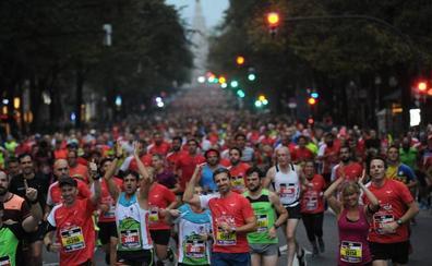 Los atletas kenianos, grandes favoritos de la maratón nocturna