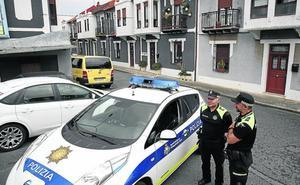 La Policía custodia la casa de Vitori tres días después de echar a los okupas
