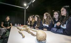 El museo de Arqueología de Vitoria celebra la Semana de la Ciencia