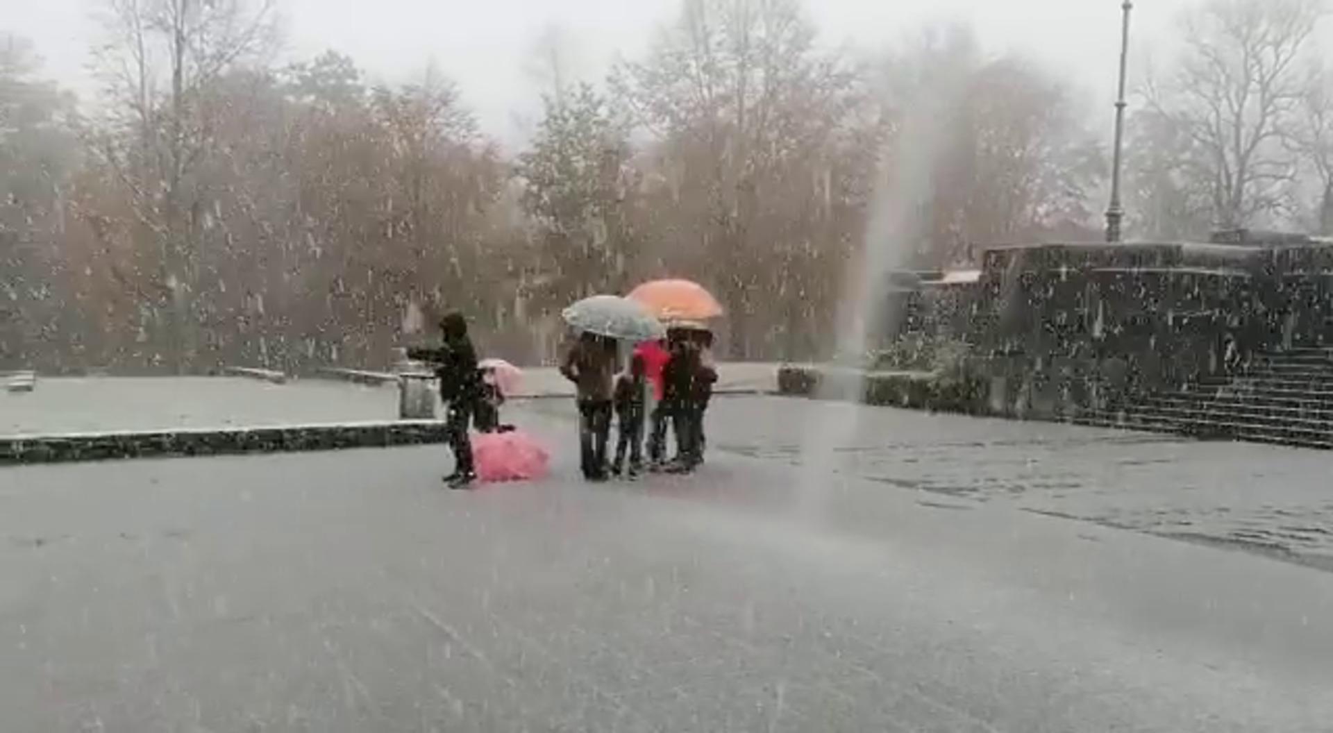 Caen los primeros copos de nieve en Urkiola