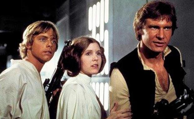 Luke Skywalker (Mark Hamill), la princesa Leia Organa (Carrie Fisher) y Han Solo (Harrison Ford)./