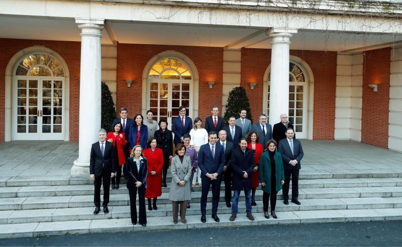 Die Koalition beginnt mit ihrem ersten Ministerrat